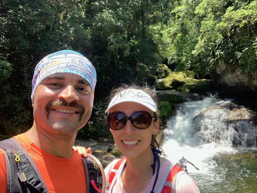 Ilhabela - Cachoeira na trilha