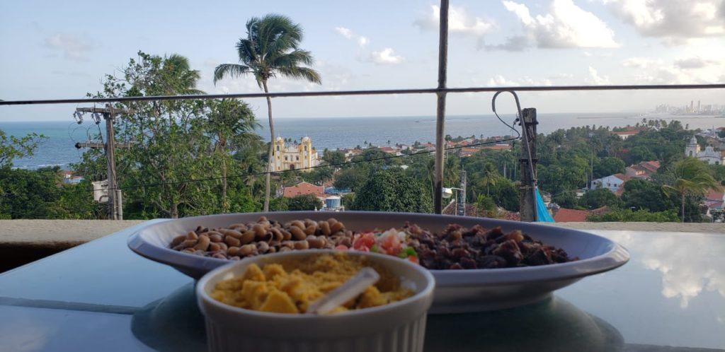 Arrumadinho de carne de charque do mirante bar e restaurante em onde comer em Olinda