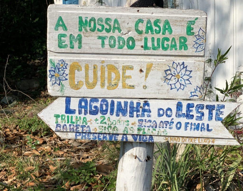 Placas de Sinalização para a Praia da Lagoinha do Leste