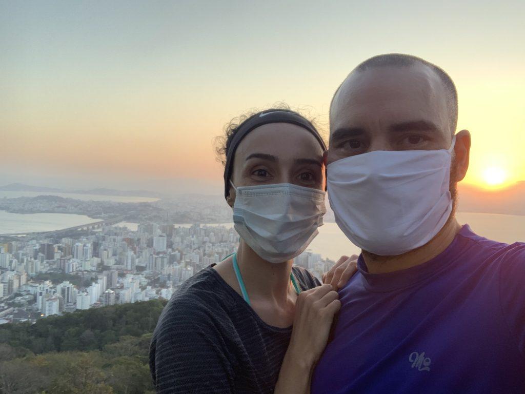 vista maravilhosa das três pontes, no Morro da Cruz em Florianópolis