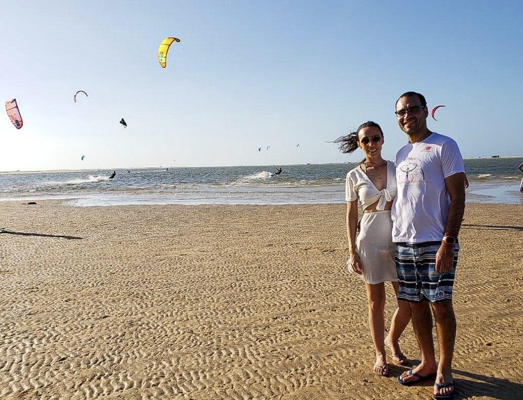 Vista dos kites na praia de Atins