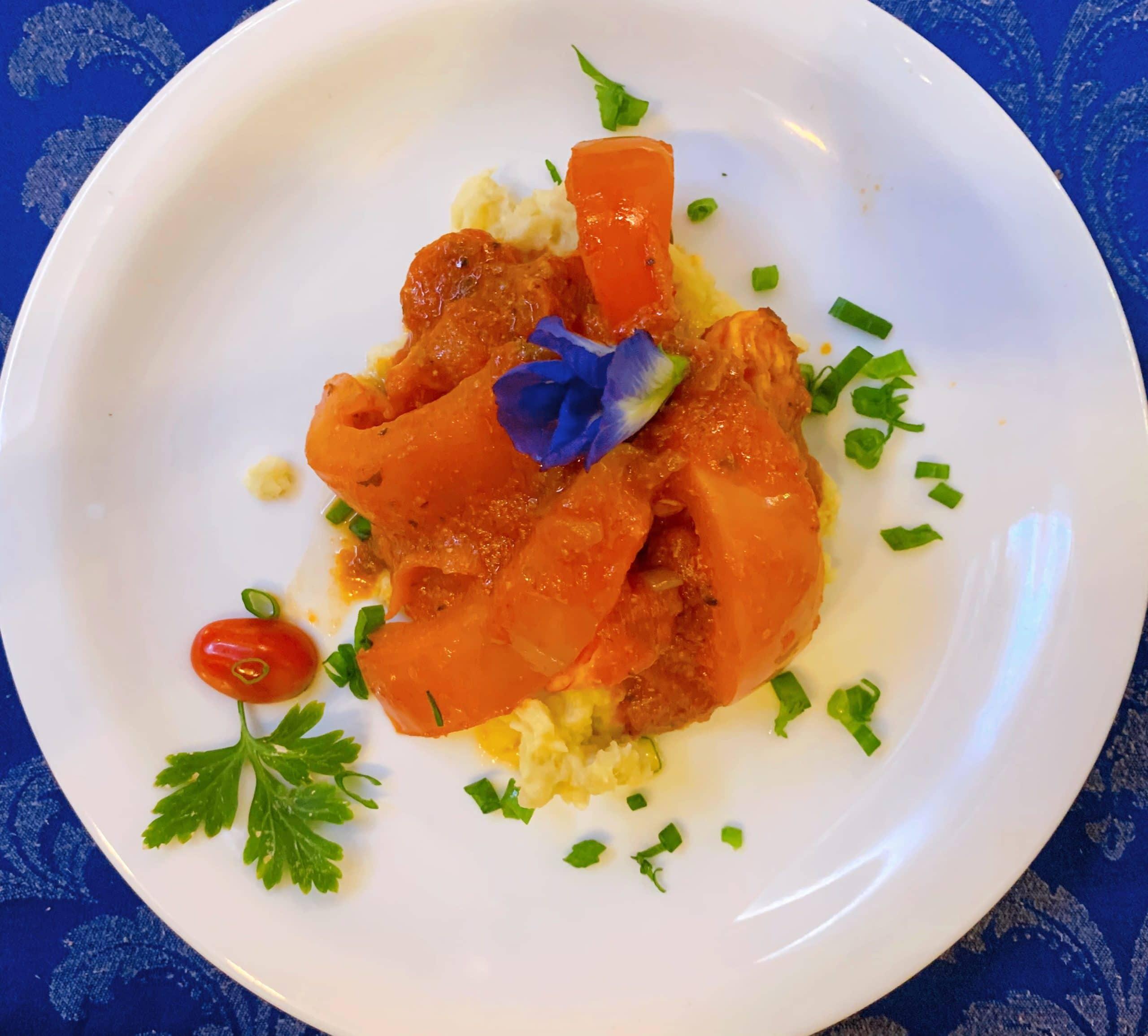 Camarão com purê de batata doce