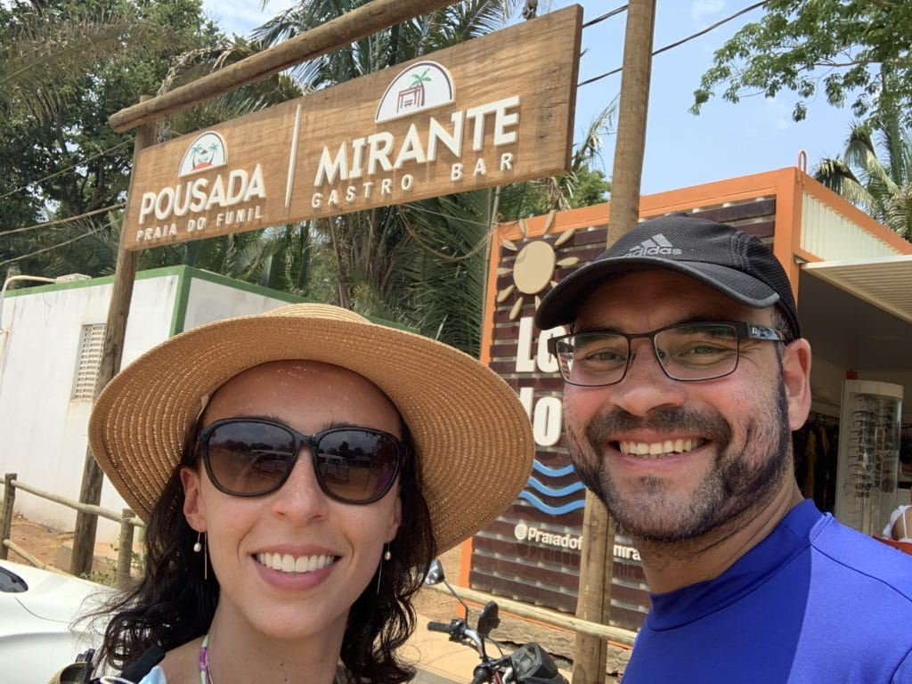 Entrada do Mirante Gastro Bar na Praia do Funil.