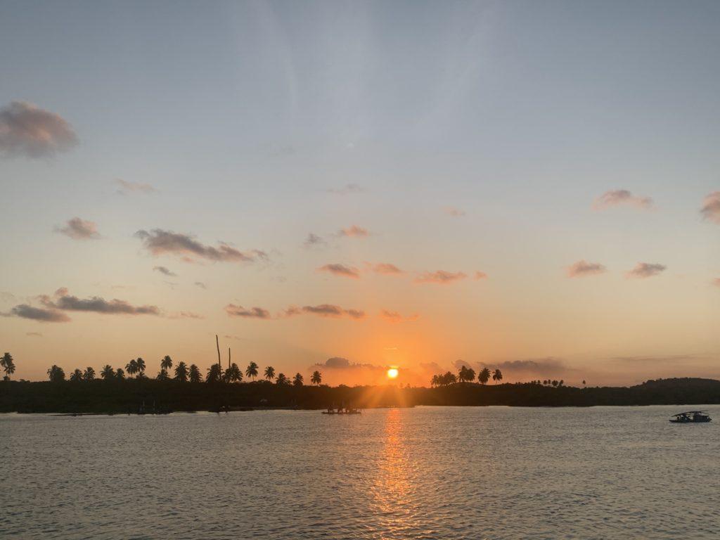 Porto de Galinhas com um por do sol lindo em Pontal do Maracaípe