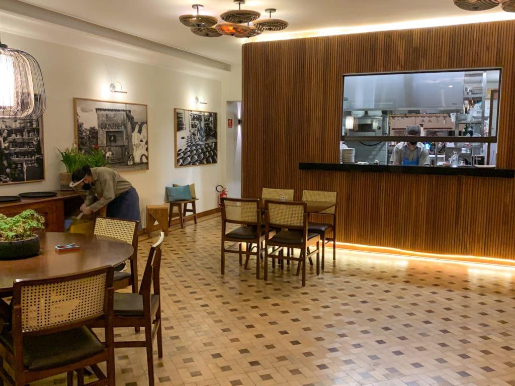 Local das mesas do Jiquitaia Restaurante Bar