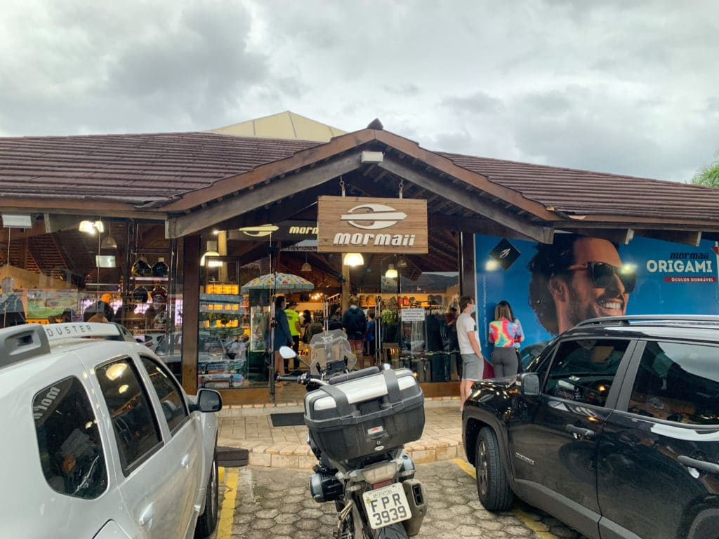 Entrada da loja da Mormaii em Garopaba
