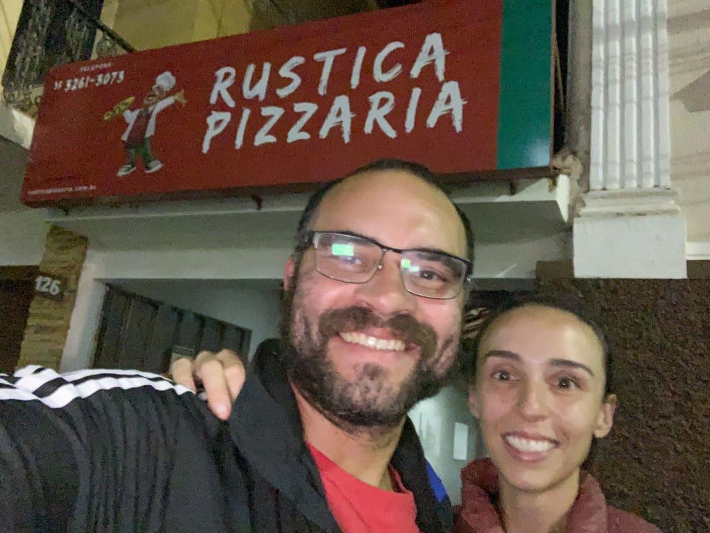 Entrada da Rústica Pizzaria em Campanha MG