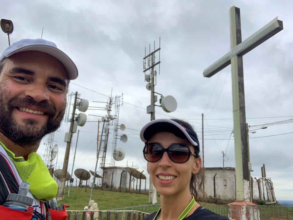 Antenas parabólicas que atrapalham a vista da cidade