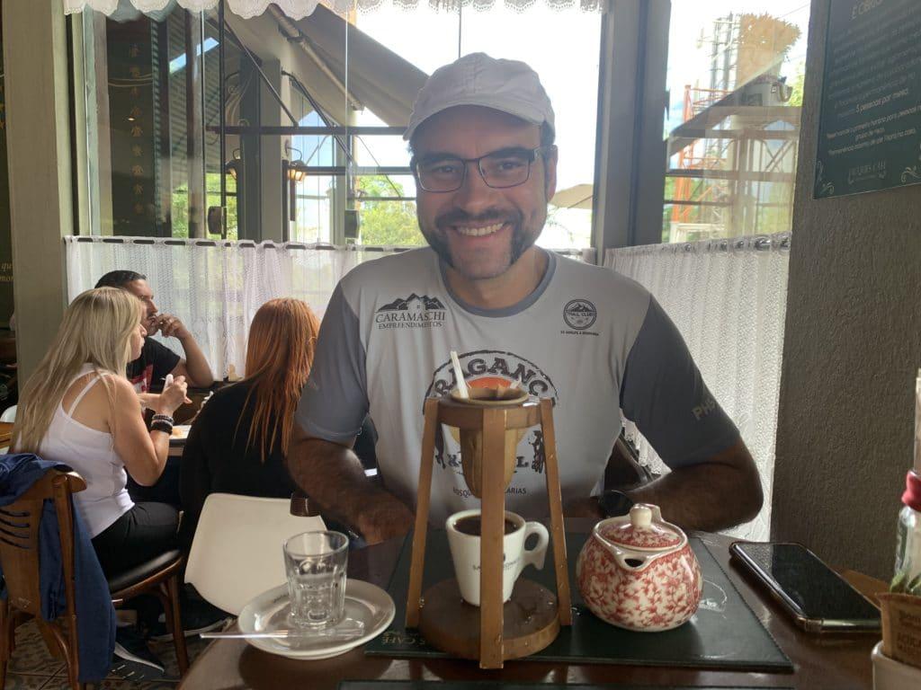 Café coado saboroso