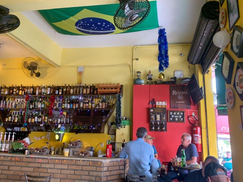 Leis bar e restaurante salão aconchegante