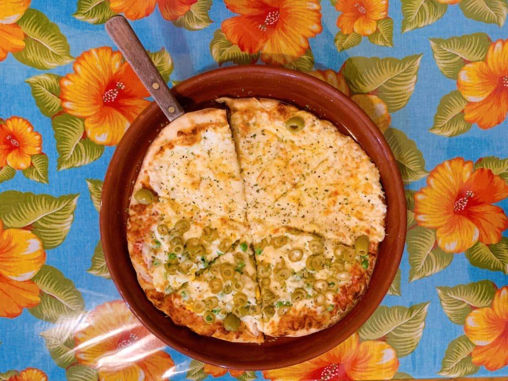 Pizza da Pizzaria Azeitona em Aiuruoca