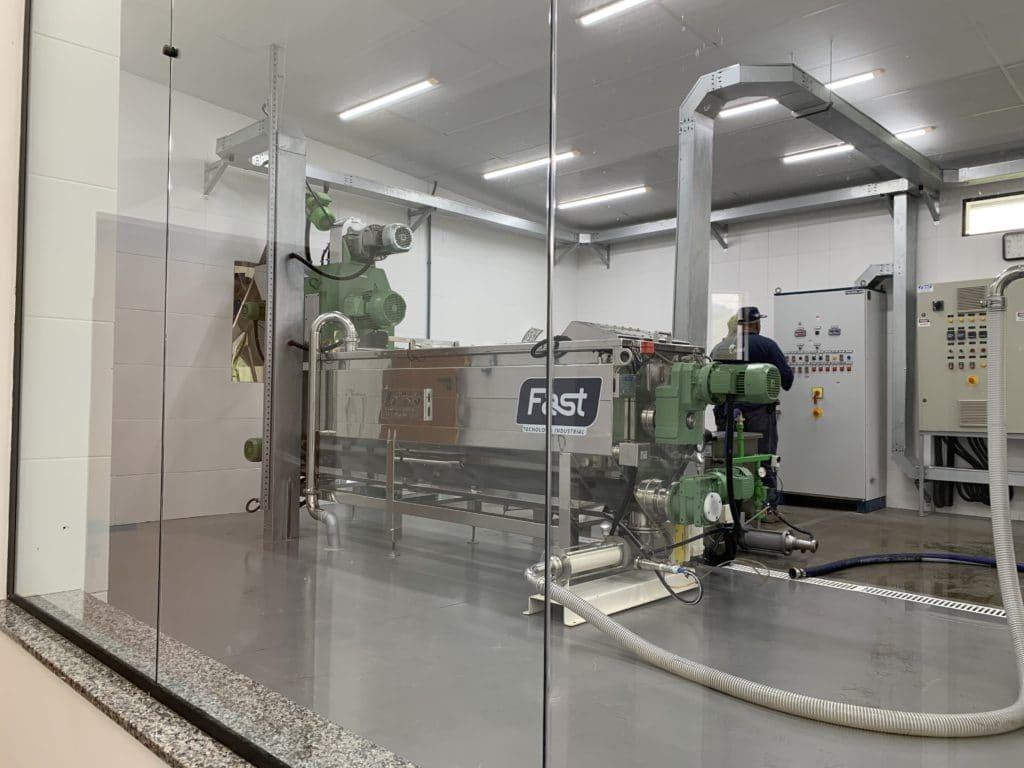 maquinário para a produção de azeite