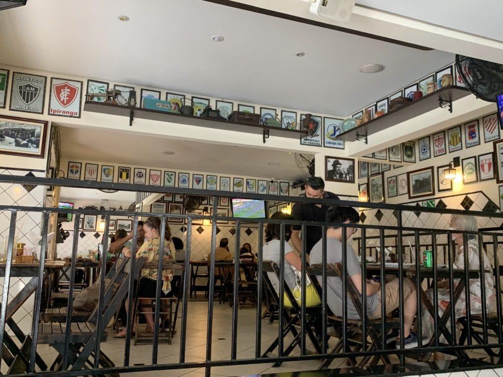 Legítimo bar salão interno