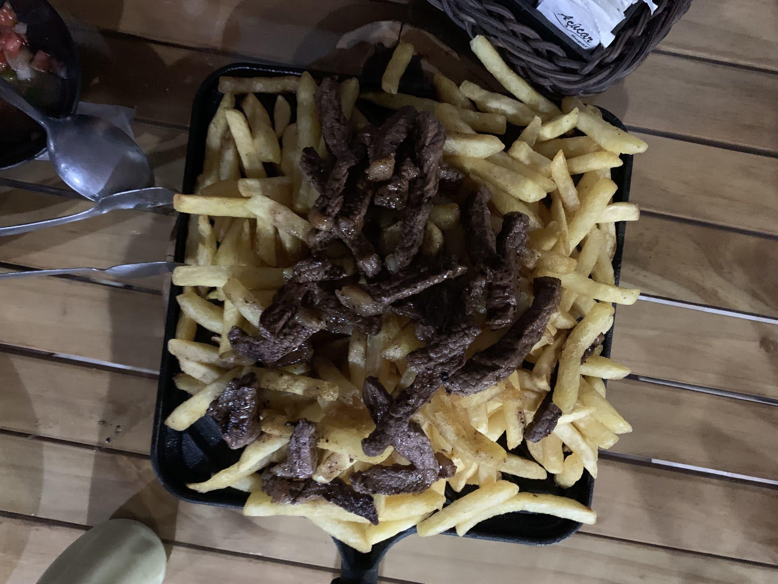 Prato que pedimos no bistro em onde comer em Itamonte.