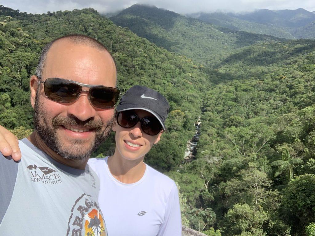 foto no Mirante do Último Adeus no  Parque Nacional de Itatiaia parte baixa