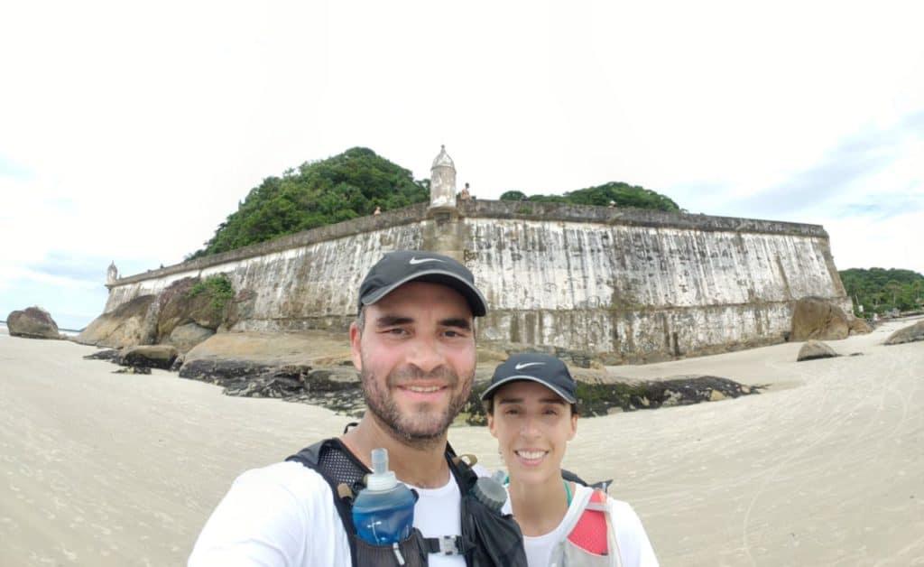 Lateral da fortaleza na ilha do mel