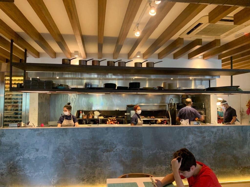 Braza gigante para fazer os pratos do pipo restaurante