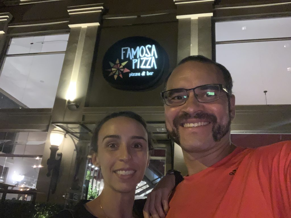 Entrada da Famosa Pizza
