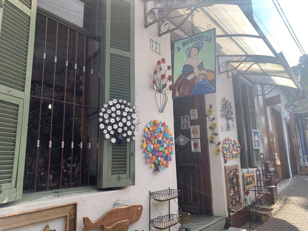 Entrada da loja a baronesa em Embu das artes