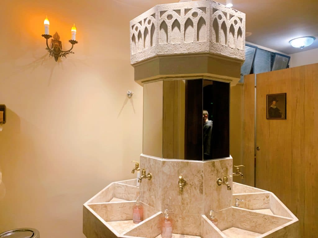 Beco Hexagonal banheiro