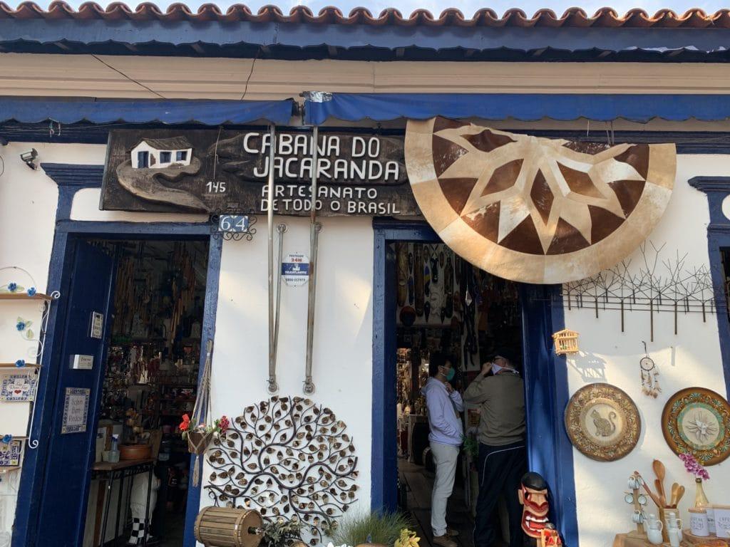 Loja cabana do jacarandá em Embu das artes