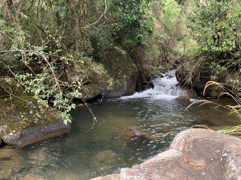 cachoeira da encruza braço Paiolinho, menor mas bonito