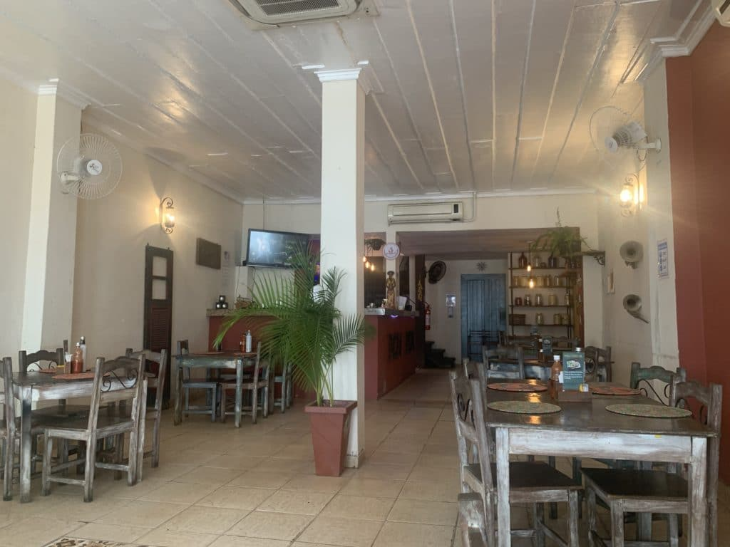 Candeeiro Música e Gastronomia dica de Onde comer no centro histórico de Paraty