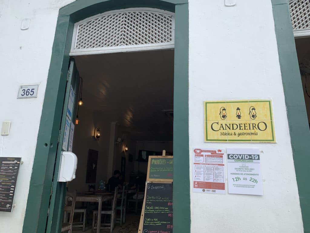 Candeeiro Música e Gastronomia entrada