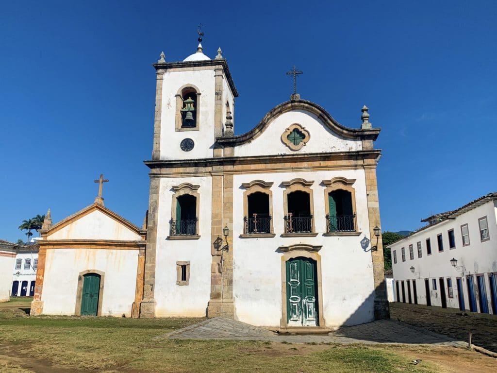 Capela de Santa Rita no centro histórico de Paraty