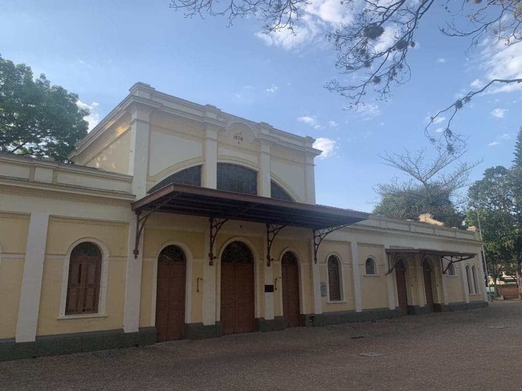Estação Ferroviária na Praça Pádua Salles