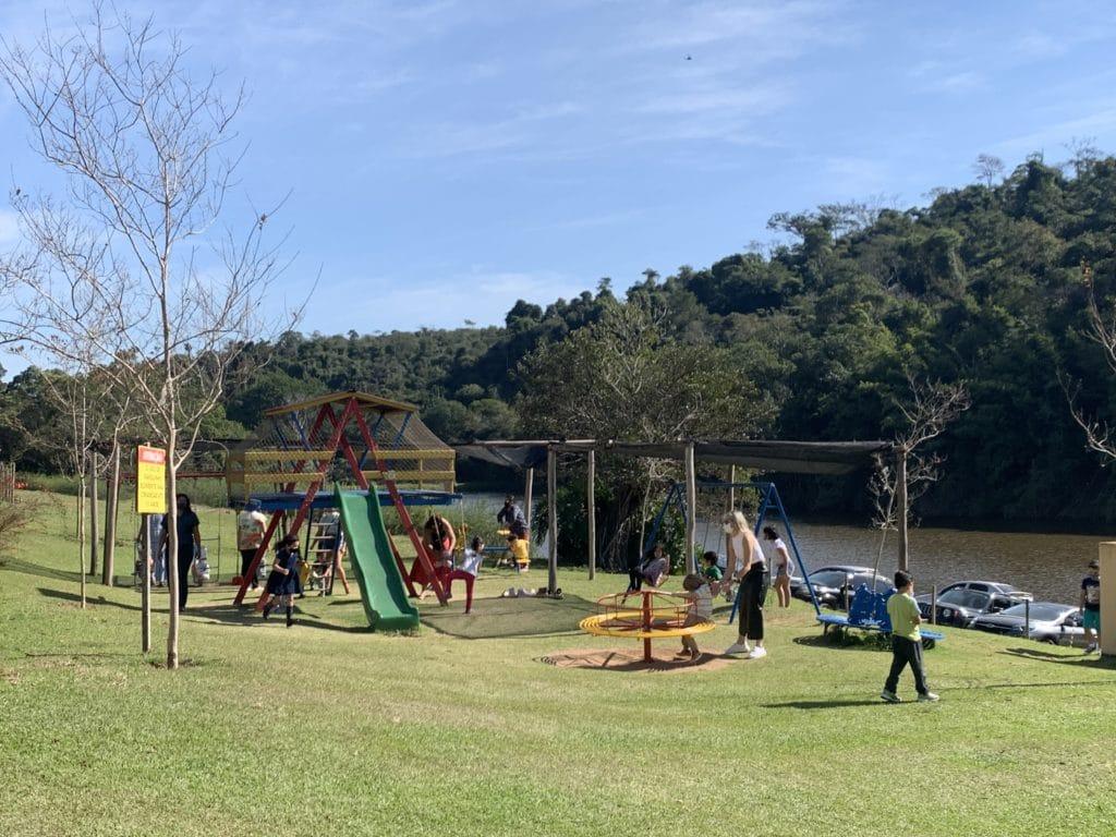 Playground para crianças de até 10 anos