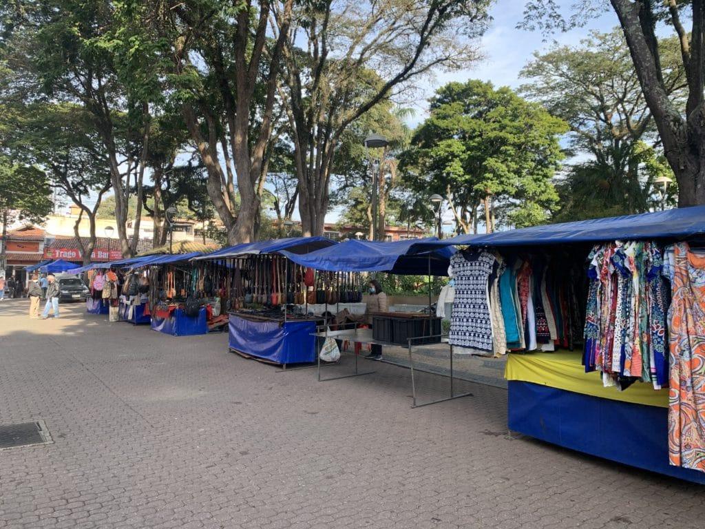 Feira de Embu das artes no centro
