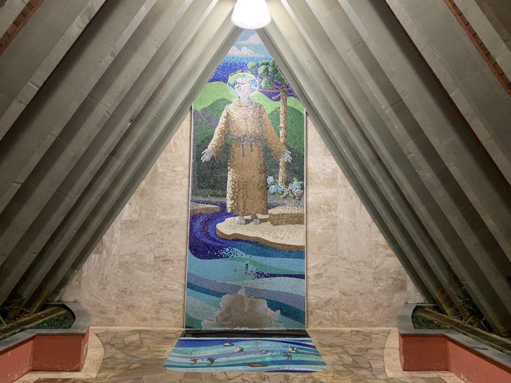 Fonte de Santo Antonio pode pegar água no local