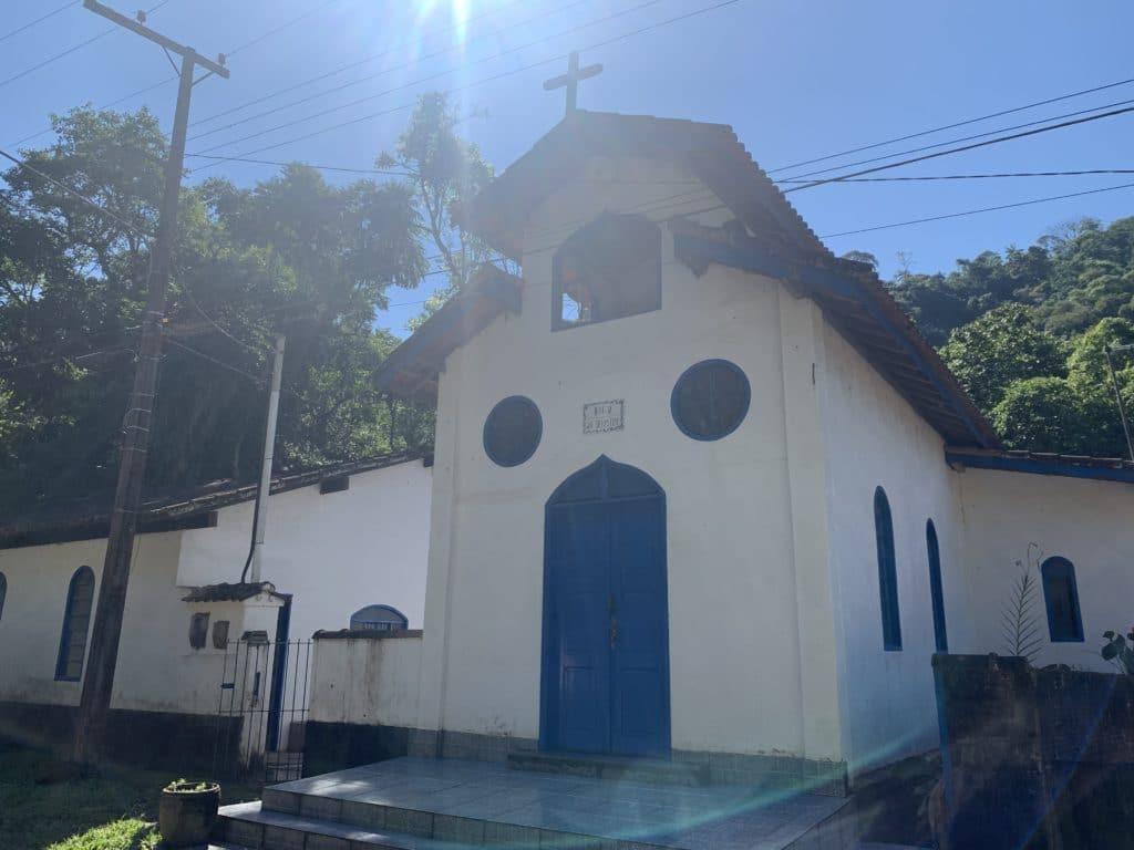 igreja serrinha do alambari