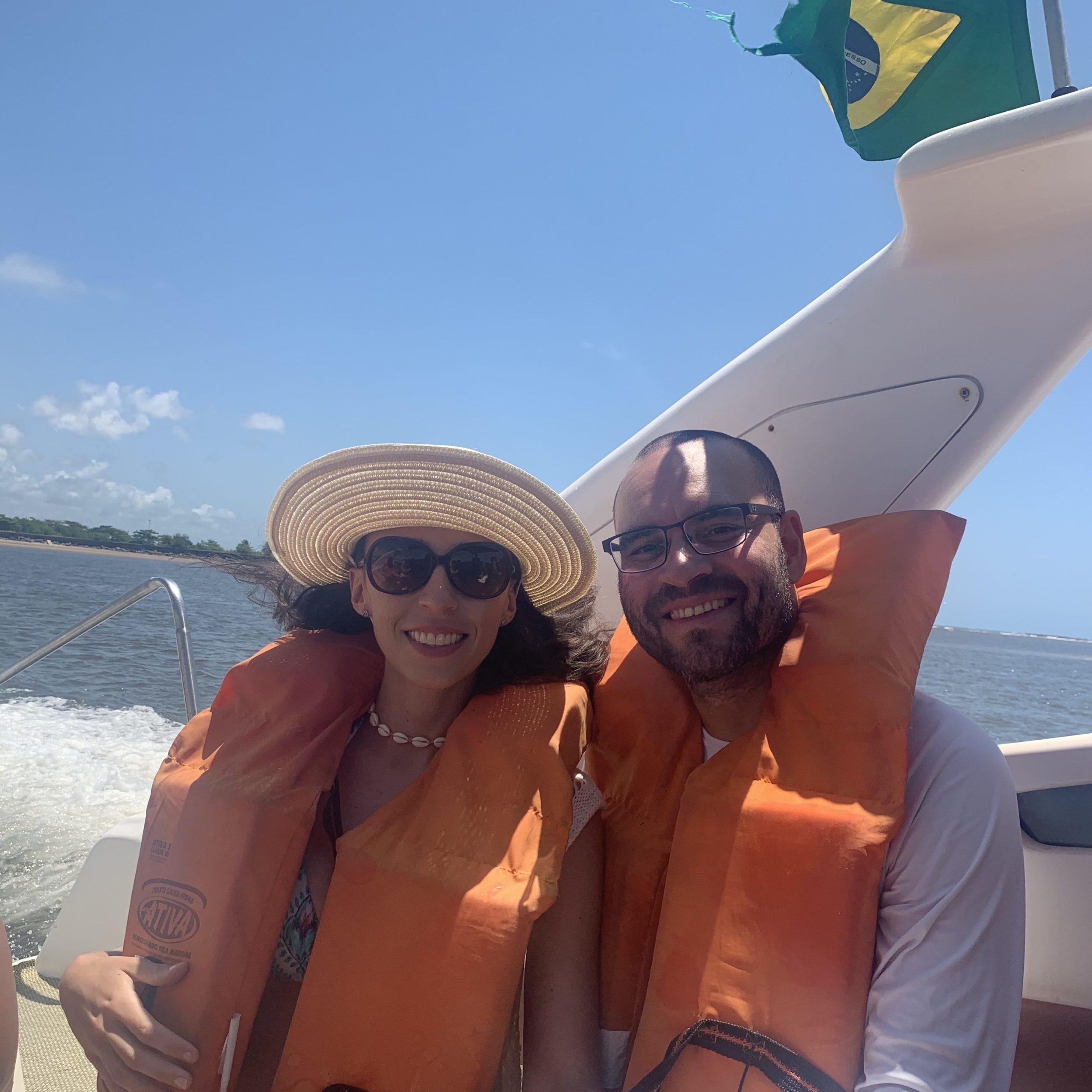 Ilha de Aleixo- Lancha e Coletes Salva Vidas- nos de colete