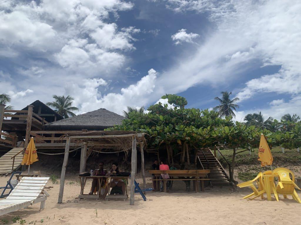 Tenda na praia na cabana do João , na Praia do Cassange