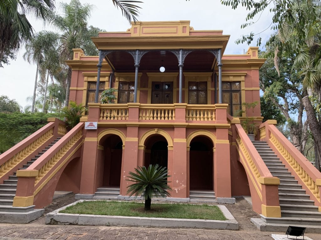 Palacete Ferraz Costa no parque