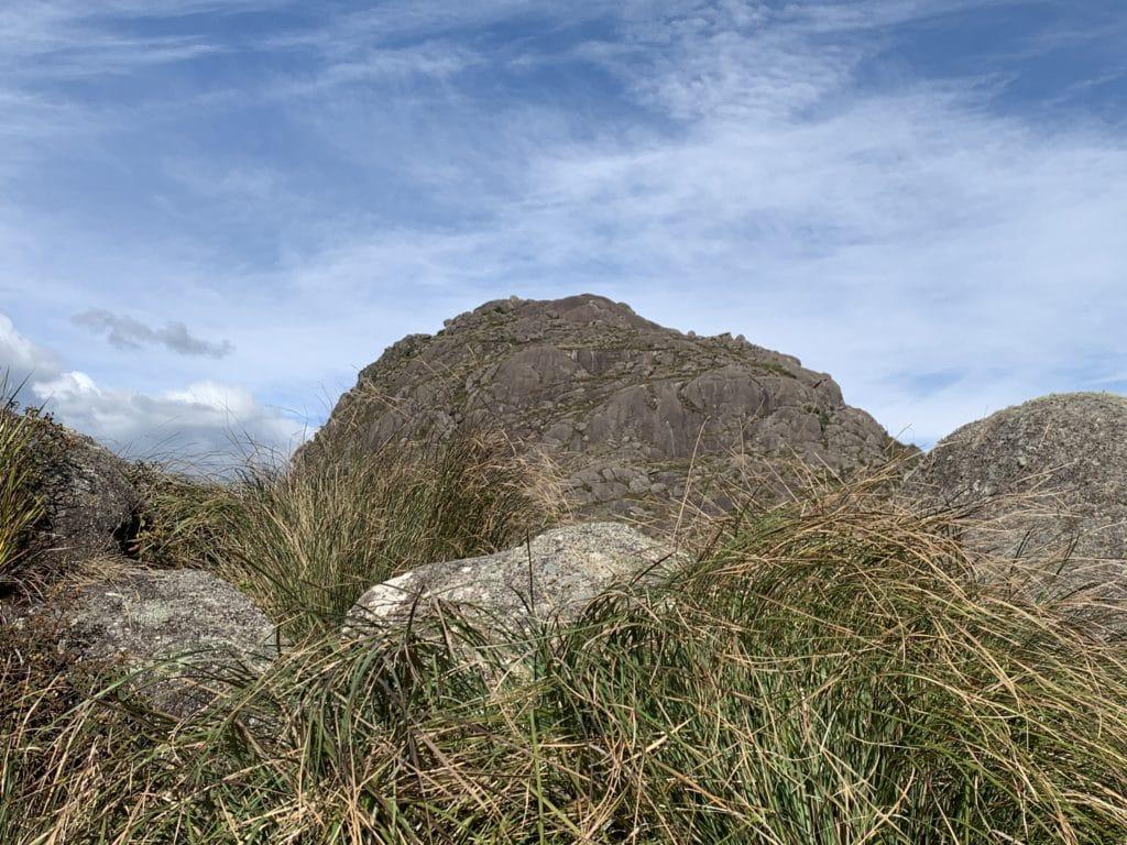 pico do Itaguaré visto após a primeira parte da trilha