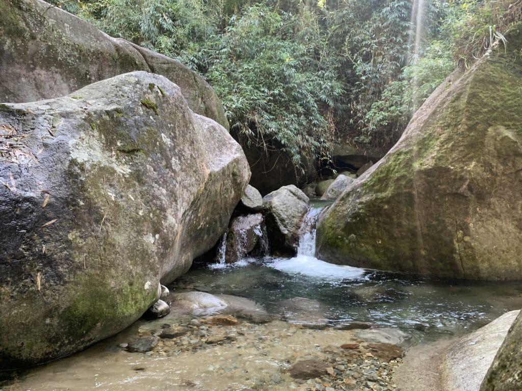poço da pinguela no camping clube brasil na serrinha do Alambari