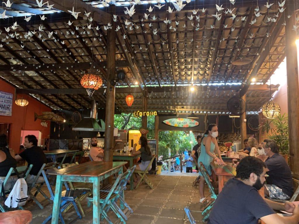 Salão principal do Restaurante Manga Rosa - Itacaré