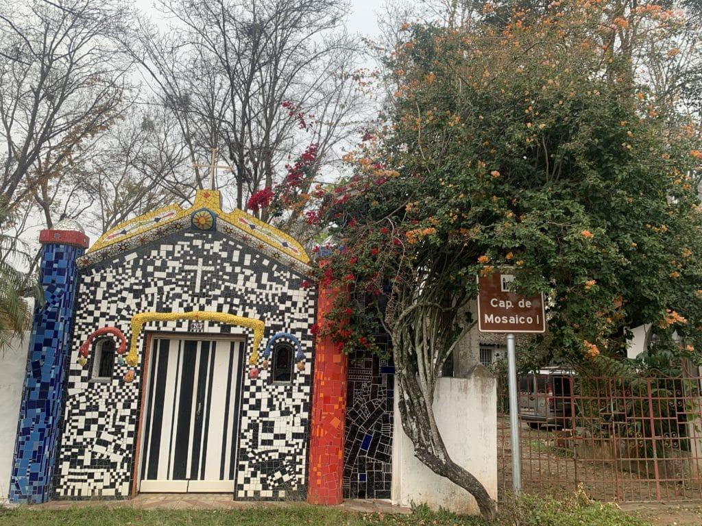 Capela de Mosaico I em São Bento do Sapucaí