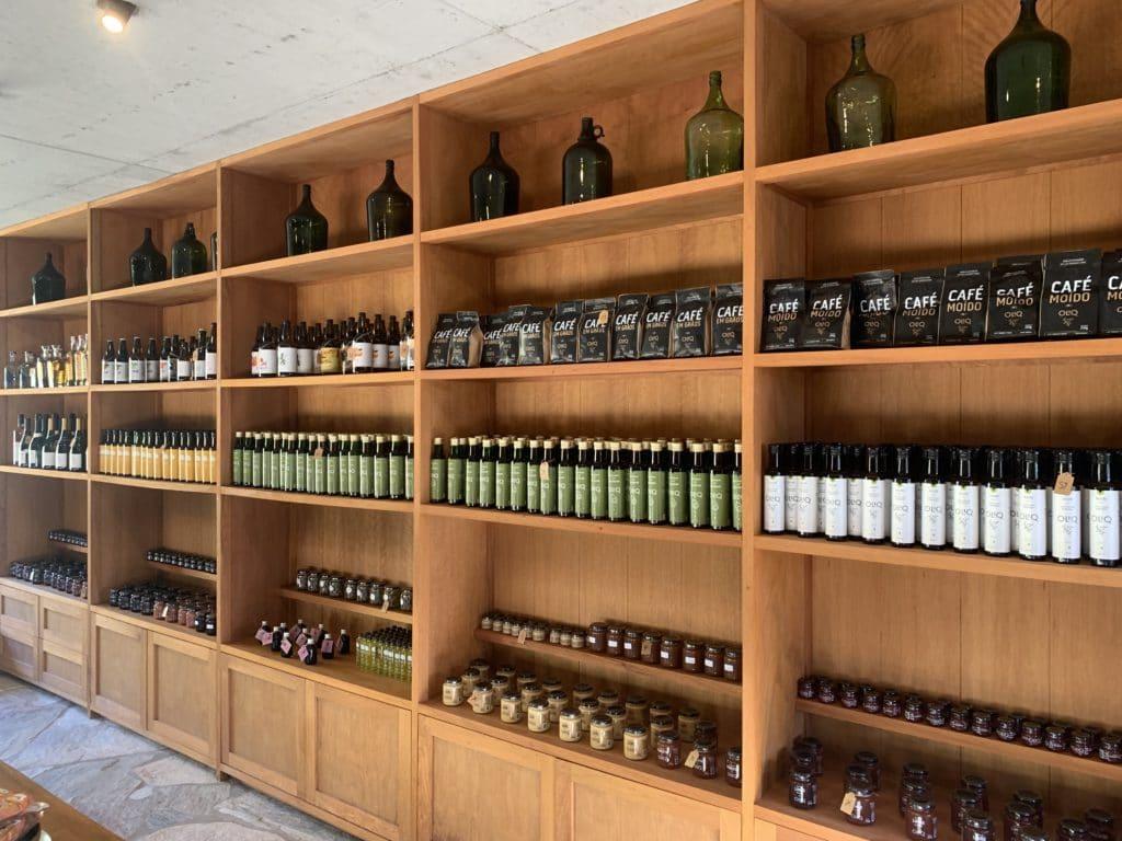loja e seus produtos da Oliq em São Bento do Sapucaí